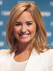 Demi_Lovato_May_2013 (1)